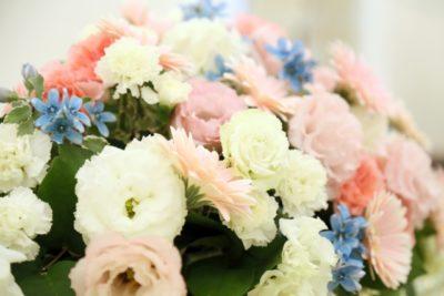 教会 祭壇 花 パステル