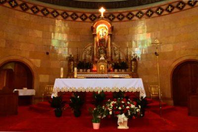 祭壇 作り方 自宅 外国風