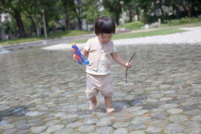 水遊び 1歳児 じゃぶじゃぶ池
