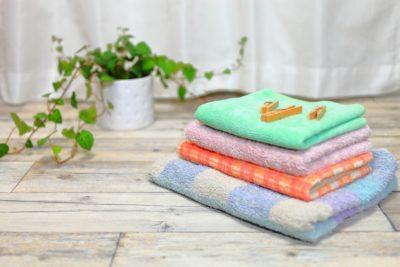 衣替え ニット 洗濯 畳んだ洗濯物