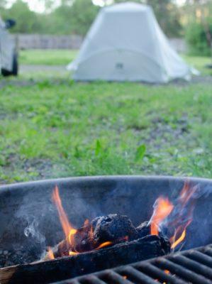 キャンプ 焚き火 テント