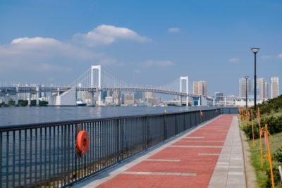 子供 水遊び 公園 東京 レインボーブリッジ