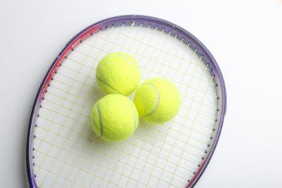 テニス ガット テンション 子供 ラケットとボール