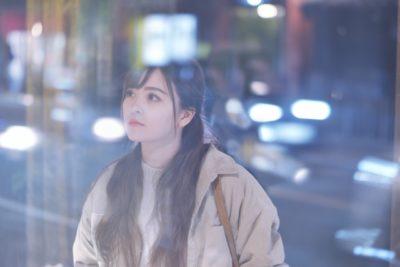 プラネタリウム 東京 ひとり 女性