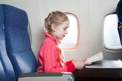 子供用 睡眠薬 飛行機 女の子