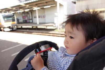 子供 電車 スポット 神奈川 ベビーカー
