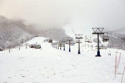 スキー場 子供 おすすめ 群馬 無料 リフト