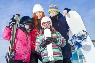 スキー場 子供 ウェア レンタル 家族