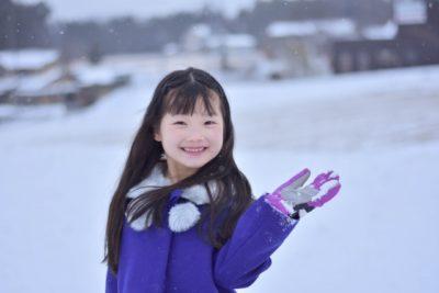 スキー場 子供 雪遊び 服装 女の子