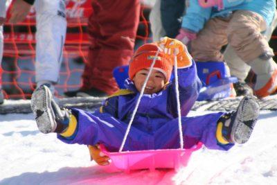 蔵王温泉スキー場 子供 ソリ