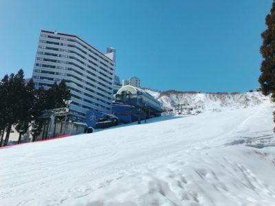 越後湯沢 スキー場 子供 ビル