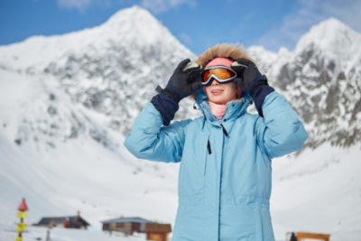スキー場 子供 持ち物 女性