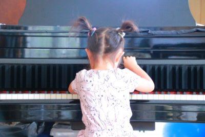 子供 習い事 音楽 女の子