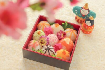 ひな祭りご飯画像(料理)デコ寿司