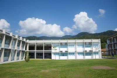 マレーシア 新学期 私立学校