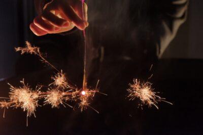 手持ち花火の種類と名前 線香花火の燃え方